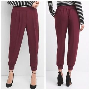 GAP Crepe Pleated Refined Joggers Pinot Noir